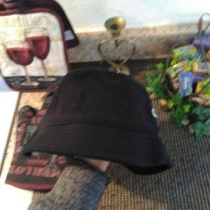 444c58a8542 Lacoste Accessories - LACOSTE PIQUÉ BUCKET HAT